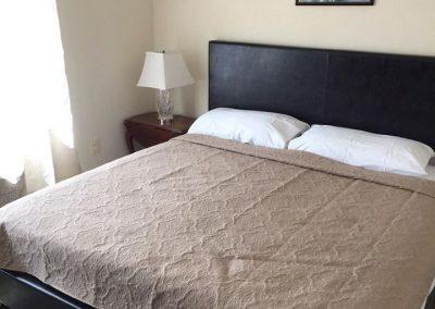 misquamicut-beach-front-inn-hotel-room-3